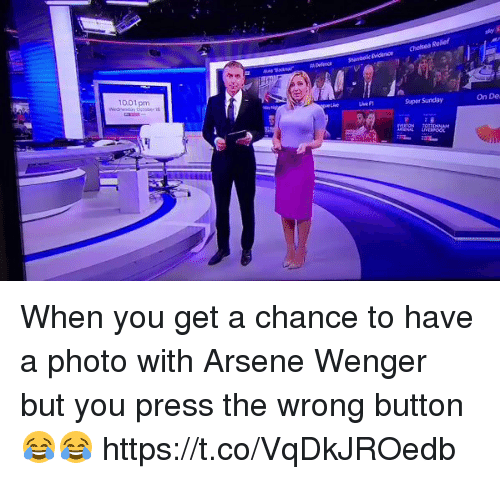 Arsene Wenger: 1001 pm  Supar Sunday  On De When you get a chance to have a photo with Arsene Wenger but you press the wrong button 😂😂 https://t.co/VqDkJROedb