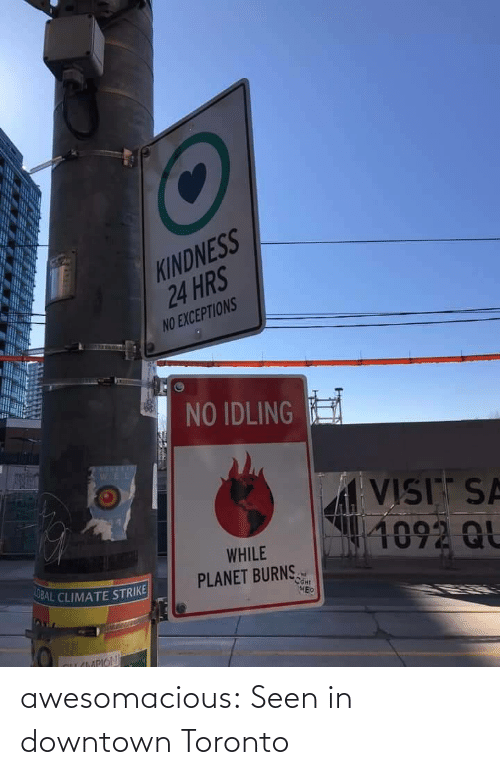 downtown: awesomacious:  Seen in downtown Toronto