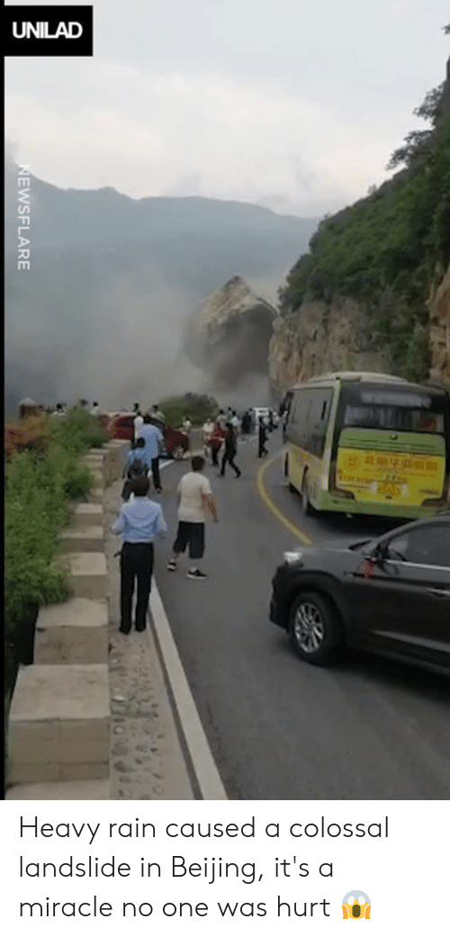 Beijing: EwSFLARE Heavy rain caused a colossal landslide in Beijing, it's a miracle no one was hurt 😱