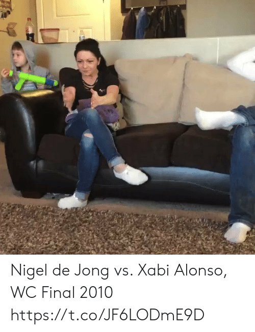 Jong: Nigel de Jong vs. Xabi Alonso, WC Final 2010  https://t.co/JF6LODmE9D