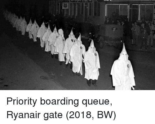 Gate, Ryanair, and Queue: Priority boarding queue, Ryanair gate (2018, BW)