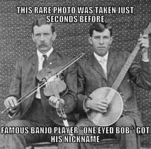 """seconds: THIS RARE PHOTO WAS TAKEN JUST  SECONDS BEFORE  FAMOUS BANJO PLAYER """"ONE EYED BOB"""" GOT  HIS NICKNAME"""
